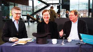 Janne Koskisen vieraina Kantapöydän suorassa lähetyksessä 18.2.2017 Musiikkitalon kahvilassa ovat säveltäjä Magnus Lindberg ja musiikkikriitikko Lauri Otonkoski.