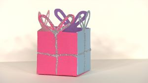 Askarrellaan: Annan lahjalaatikko