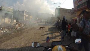 En gata i styaden Gonaives i Haiti våren 2017.