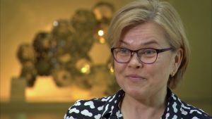 Henriette Helin-Soilevaara är överinspektör och övervakar medicinering av djur på Evira.