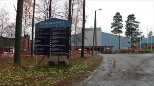Kalevankankaan jäähalli remontissa Mikkelissä.