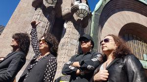 Bandet Kiss besökte Helsingfors centralsstation före konserten i Helsingforsarenan den 4 maj 2017.
