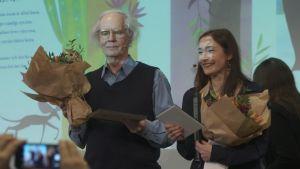 Linda Bondestam och Ulf Stark får priset Snöbollen för bästa svenska bilderbok