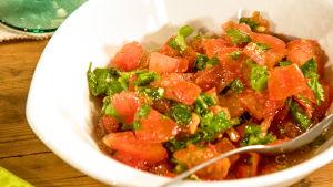 Tomaatti-korianterichutney.