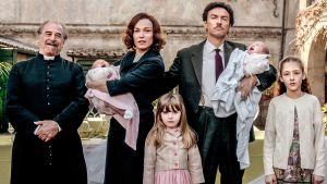 Kuva Franzan perheestä italialaisessa Isältä tyttärelle -sarjassa (Di padre in figlia).