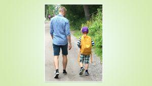 Mikko Kekäläinen kävelee poikansa kanssa kouluun
