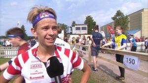 Orienteraren Leo Matinheikki intervjuas under Ungdomens Jukola i Borgå 2017.