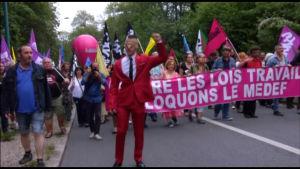 Demonstratin mot Macron i Frankrike.