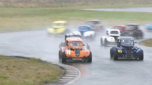 Tävlingsbild från Legend cars-tävlingen i Finland