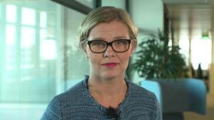 Päivi Ruokoniemi, överläkare, säger att läkemedelsmyndigheten Fimea kan gripa in om företagen fortsätter med olaglig marknadsföring.