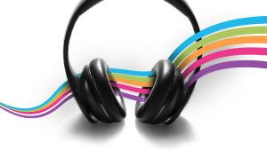 Kuulokkeet, joiden läpi kulkee Yle Radio Suomen väriraidat