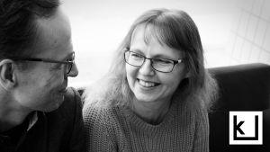 Tutkija-kirjailijat Sami Pihlström ja Sari Kivistö.