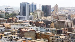 Stadsvy över Ugandas huvudstad Kampala