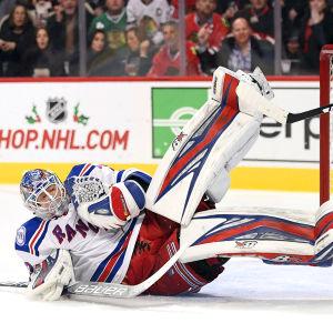 Antti Raanta vaktar målet för New York Rangers i NHL.