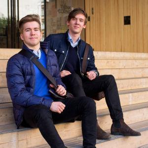 Åläningarna Edvin Engman och Abert Ulenius studerar i Helsingfors.