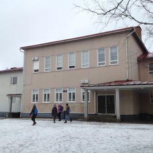 Kyrkbackens skola.