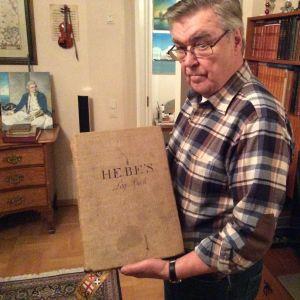 Merikapteeni Matti Airio harrastaa vakavasti merihistorian 1700-lukua. Alkujaan ranskalaisen HMS Heben (1794-1811) lokikirja.