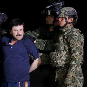 Joaquin Guzmán, ledare för en drogkartell i Mexiko arresteras.