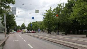 Mannerheimvägen i Helsingfors. Tidigare fanns här Tölö Sockerfabrik.