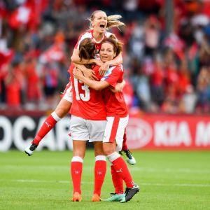 Schweiz firar mål.