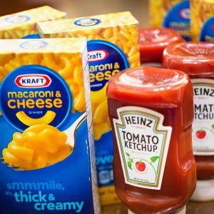 Ketchup och makaroner av Kraft Heinz.