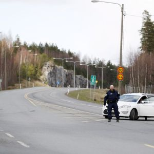 Polis vid landsväg