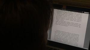 Kirjablogissa Risti ja hakaristi