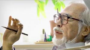 Unten ja hulluuden valtakunta, dokumenttielokuva Ghibli-studiosta. Kuvassa Hayao Miyazaki.