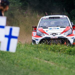 Jari-Matti Latvala ånga på mot seger i Finlands VM-rally.
