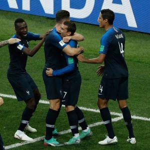 Frankrike firar mål