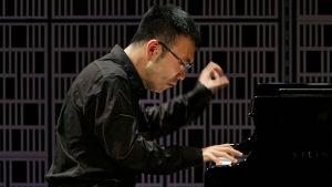 Kiinalaispianisti Tianxu An esiintyy Maj Lind -kilpailun alkuerässä.