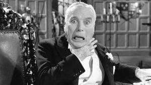 Charles Chaplin elokuvassa Kuningas New Yorkissa