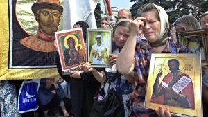 Troende i Moskva minns mordet på tsar Nikolaj II.