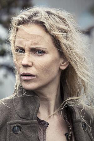 Sillan päähenkilö Saga (Sofia Helin)