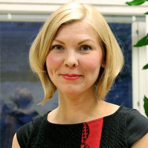 Säveltäjä Minna Leinonen.