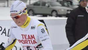 Matias Strandvall växlar över till Juuso Haarala