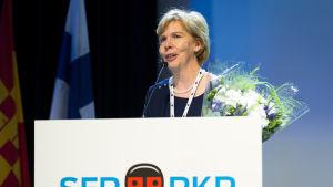 Anna-Maja Henriksson under SFP:s partidag i Helsingfors