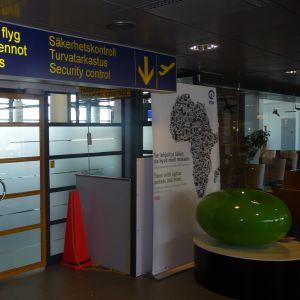 Säkerhetskontrollen vid flygplatsen i Kronoby