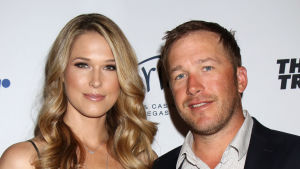 Morgan Beck och Bode Miller under en golfgala i Las Vegas i april 2017.