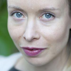 Runoilija ja kääntäjä Katriina Ranne