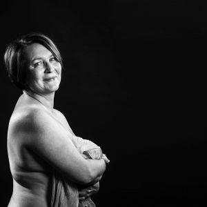 Anne Villman selvisi syöpähoidoista.
