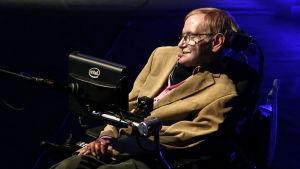 Fyysikko Stephen Hawking Teneriffan Starmus Festivaalilla vuonna 2014