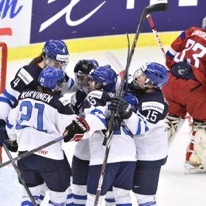 Rosa Lindstedt gjorde 1-0 till Finland.