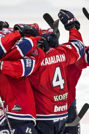 HIFK är ett ishockeylag från Helsingfors.