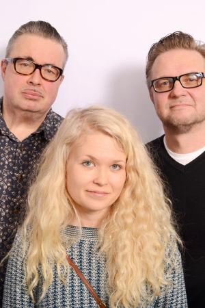Pekka Laine, Laura Moisio ja Timo Kuoppamäki seisomassa