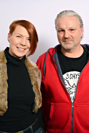 Heidi Kyrö, Micke Björklöf ja Tuuli Saksala seisomassa