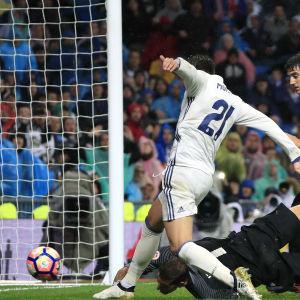 Alvaro Morata petar in 2-1 mot Atletic Bilbao.