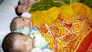 Nyfödda indiska babyer på ett sjukhus i delstaten Tripura.