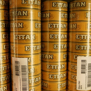 Snusdosor av märket Ettan.