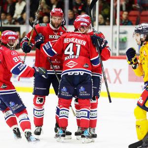 HIFK firar Miro Heiskanens första ligamål.